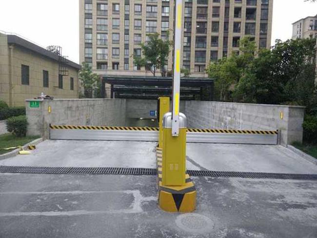 地下车库挡水板